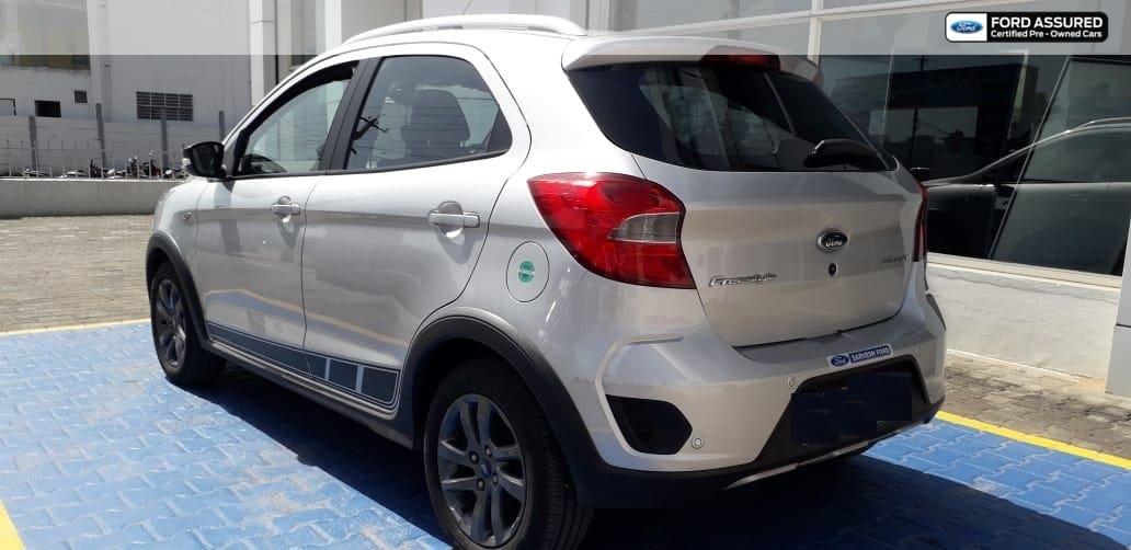 Ford Freestyle Titanium Plus Petrol BSIV