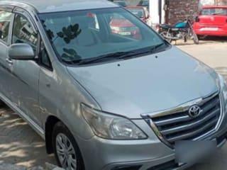 2014 டொயோட்டா இனோவா 2.5 ஜி (டீசல்) 7 Seater BS IV