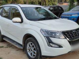 Mahindra XUV500 W7