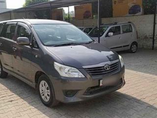 2013 டொயோட்டா இனோவா 2.5 ஜி (டீசல்) 7 Seater BS IV