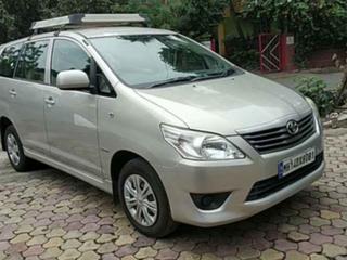 2013 टोयोटा इनोवा 2.5 जी (डीजल) 8 Seater BS IV