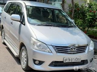 2013 ടൊയോറ്റ ഇന്നോവ 2.5 വിഎക്സ് (ഡീസൽ) 8 Seater BS IV