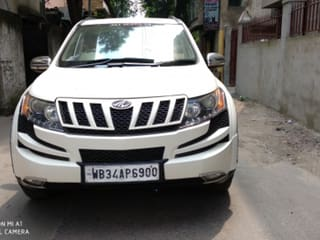 2015 Mahindra XUV500 AT W8 FWD