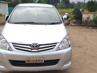 2010 Toyota Innova 2.5 GX 7 STR BSIV