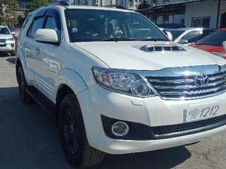 2015 Toyota Fortuner 2.5 4x2 AT TRD Sportivo