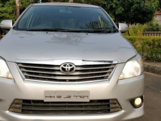 2013 टोयोटा इनोवा 2.5 वीएक्स (डीजल) 7 Seater BS IV