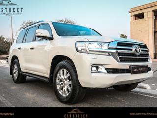 2018 Toyota Land Cruiser VX Premium