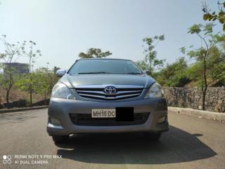2011 ടൊയോറ്റ ഇന്നോവ 2.5 വി ഡീസൽ 8-seater
