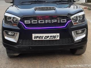2017 മഹേന്ദ്ര സ്കോർപിയോ S10 7  സീറ്റർ
