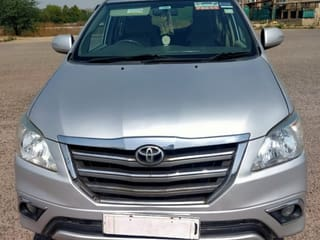 2013 టయోటా ఇనోవా 2.5 విఎక్స్ (డీజిల్) 7 Seater BS IV