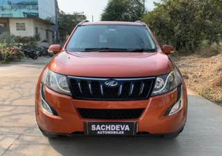 2015 Mahindra XUV500 AT W10 FWD