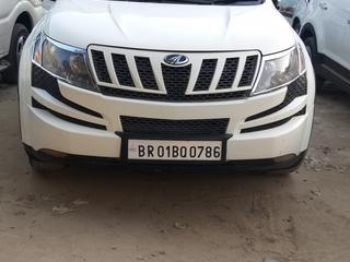 2013 महिंद्रा एक्सयूवी500 डब्ल्यू8 FWD