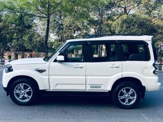 2017 Mahindra Scorpio 1.99 S10 4WD