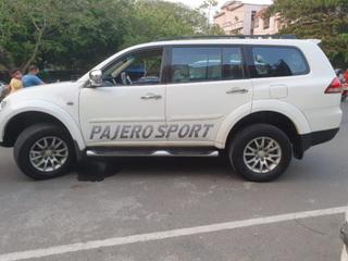 2015 మిత్సుబిషి పజెరో Sport 4X4