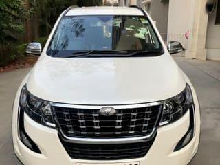 2019 Mahindra XUV500 W7