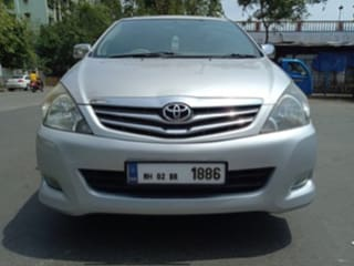 Toyota Innova 2.5 VX 8 STR