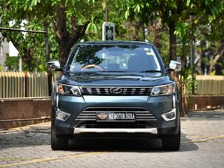 2020 महिंद्रा एक्सयूवी300 डब्ल्यू8 Option