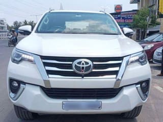 Toyota Fortuner 2.8 4WD AT BSIV