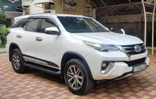 Toyota Fortuner TRD 4X4 AT