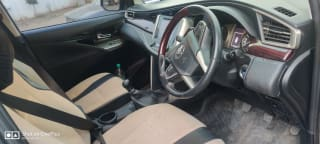 Toyota Innova Crysta 2.4 VX MT