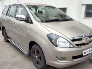 Toyota Innova 2.5 V Diesel 8-seater