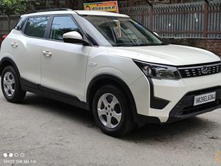 Mahindra XUV300 W6