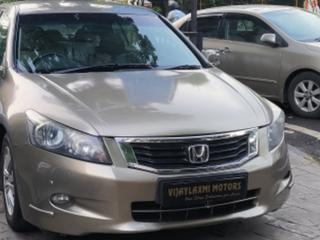 Honda Accord VTi-L (MT)