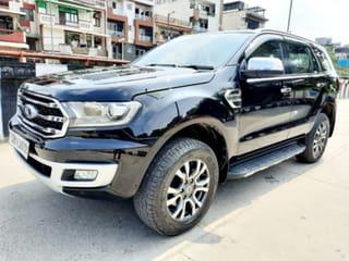 Ford Endeavour 2.2 Titanium AT 4X2 Sunroof