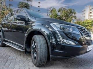 2019 Mahindra XUV500 W11 Option AT