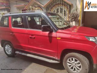 Mahindra TUV 300 mHAWK100 T8 Dual Tone