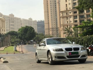 2012 BMW 3 Series 320i Luxury Line