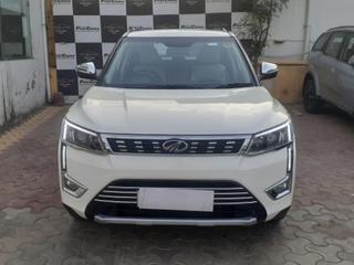2019 Mahindra XUV300 W8
