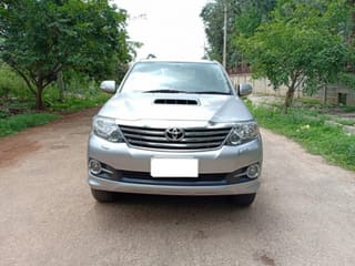 2015 Toyota Fortuner 4x2 AT