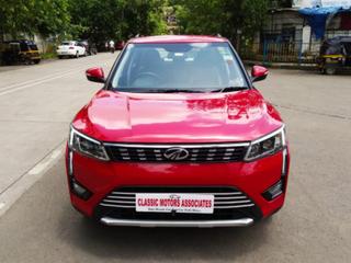 Mahindra XUV300 W8