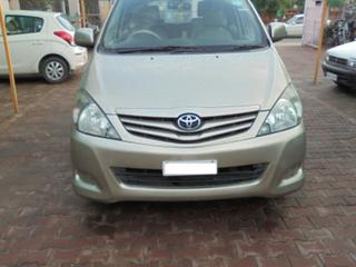 2011 Toyota Innova 2.5 GX 7 STR BSIV