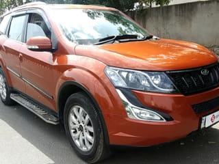 2015 மஹிந்திரா எக்ஸ்யூஎஸ் W10 ஏடபிள்யூடி
