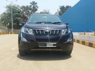 2017 Mahindra XUV500 W9 AT