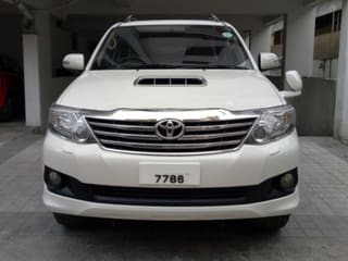 2013 Toyota Fortuner 4x2 AT