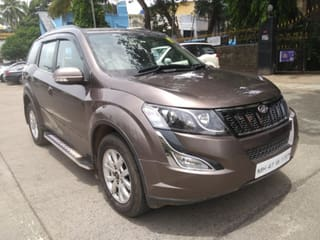 2017 Mahindra XUV500 AT W10 FWD