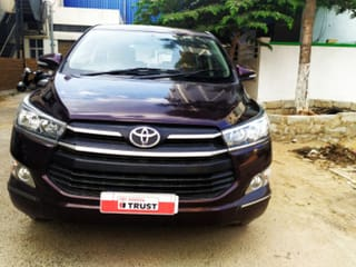 Used Toyota Innova Crysta In Bangalore 17 Second Hand Cars For Sale With Offers