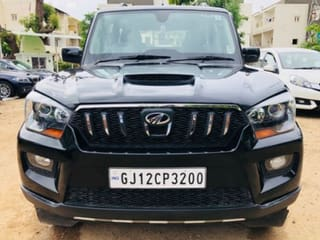 2015 Mahindra Scorpio S10 AT 2WD