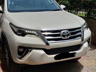Toyota Fortuner 4X2 Diesel AT