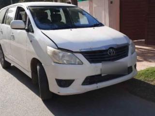 Toyota Innova 2.5 GX 7 STR