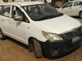 2014 ಟೊಯೋಟಾ ಇನೋವಾ 2.5 ಜಿ (ಡೀಸಲ್) 7 Seater BS IV
