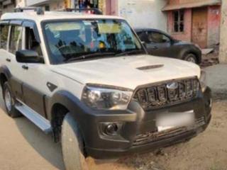 2019 महिंद्रा स्कॉर्पियो S3 9 Seater BSIV