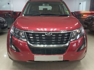 2018 Mahindra XUV500 W11 AT