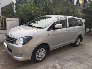 2011 ಟೊಯೋಟಾ ಇನೋವಾ 2.5 ಜಿ (ಡೀಸಲ್) 7 Seater BS IV