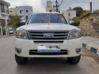 2013 Ford Endeavour 3.0L 4X4 AT