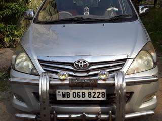2009 Toyota Innova 2.5 V Diesel 8-seater