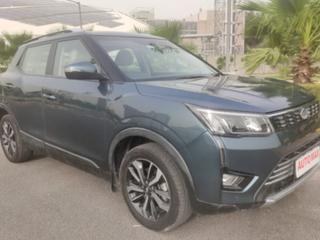 Mahindra XUV300 W8 Option Diesel